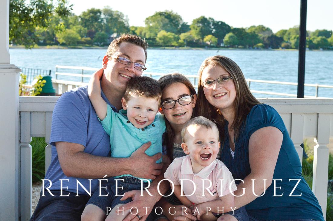 Grosse Pointe Farms Family Portrait Session