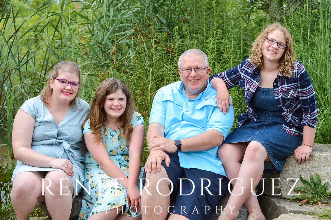 Family Portrait Session | Detroit Riverfront